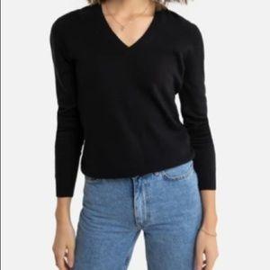 UNITED COLORS OF BENETTON black scoop vneck shirt